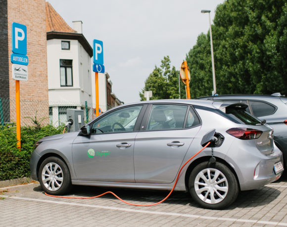 Elektrisch rijden binnen een duurzame mobiliteit? Zo denkt Dégage erover.